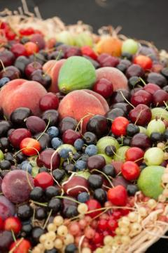 blueberry (Genus), Cherry, Fig tree, Fruit / Fruit Trees, Gesunde Ernährung, Gooseberry, Obstschale, Peach, Red Currant