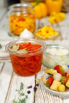 Capsicum annuum, glass, onion, Pickling Cucumber, Popcorn, Preserve